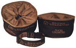 The DU 3-Piece Portable Dog Bowls & Collar Set